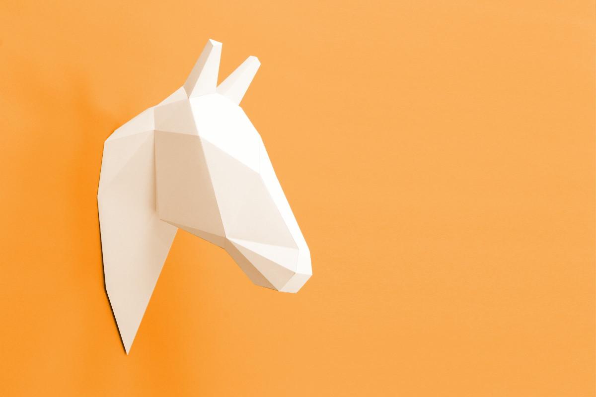Jagdtrophäe Pferd aus Papier